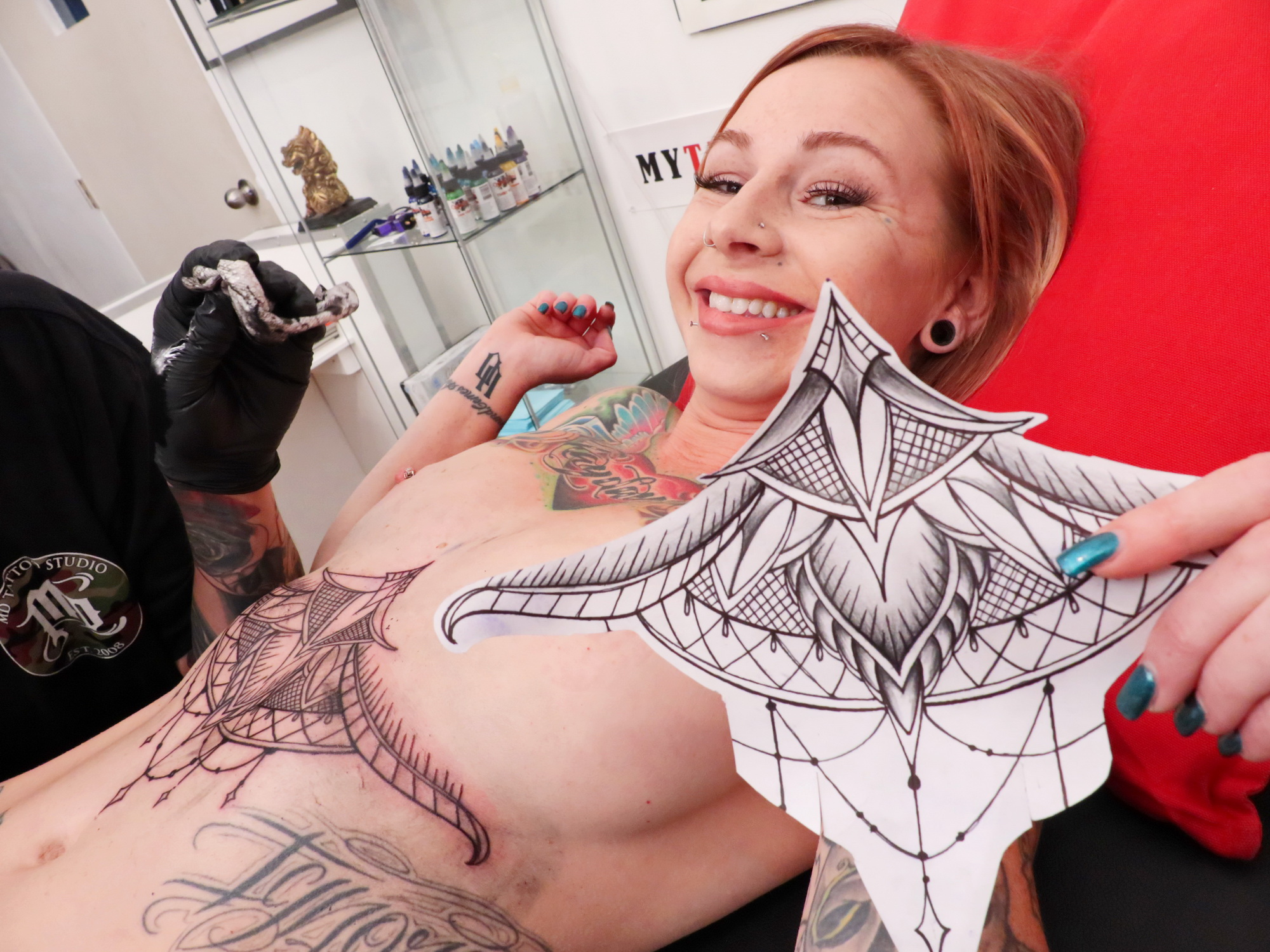 - Scarlett Pain Gets Fully Nude Getting Her Latest Tattoo-8524